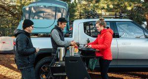Rivian démontre que le camping électrique est possible