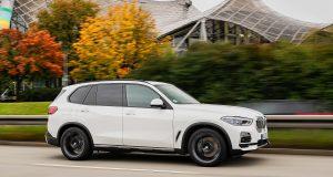Voici le BMW X5 PHEV 2021